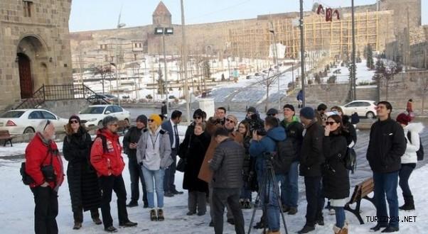 KUDAKA Turizmcilere İnfo Düzenledi
