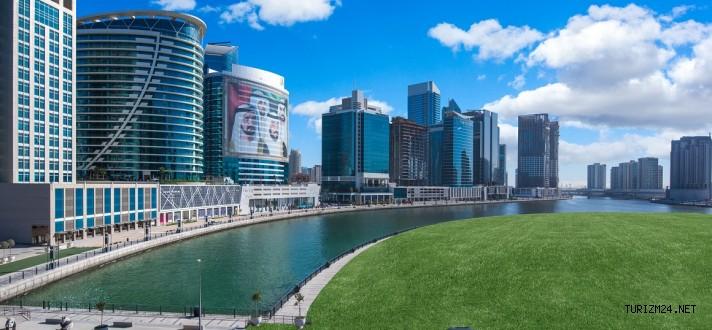 Radisson Blu Hotel, Dubai Waterfront Otelini Açtı