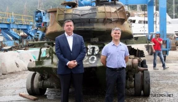 Savaş tankı turizm için denize batırılacak