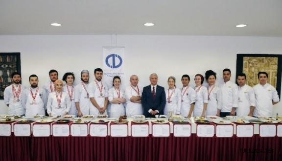 Turizm Fakültesi Aşçılık Takımı İstanbul'da ödülleri topladı